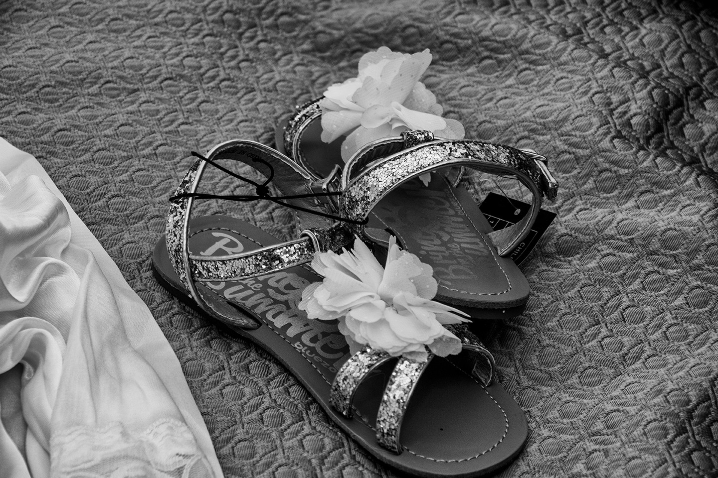 SorrentoWeddingPhoto_FineArtStudio_Hotels_Details_BW