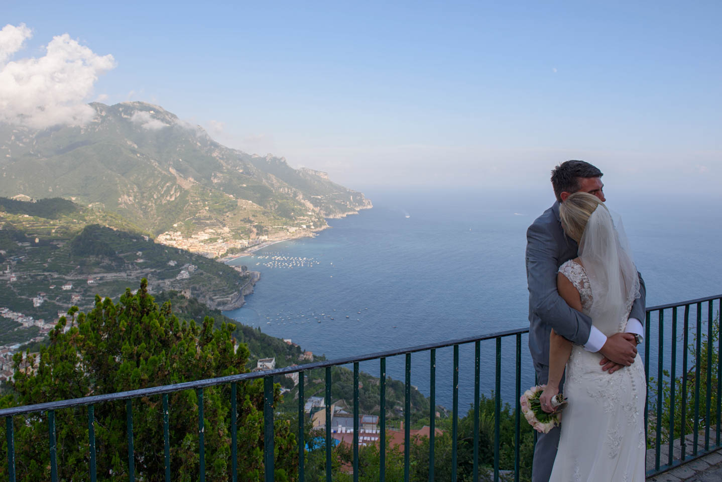 FineArtStudio_Ravello_Timothy&Angela_Street_View_Ravello_Wedding
