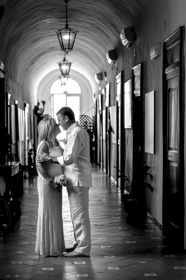 FineArt_Studio_Wedding_In_Amalfi_Paul&Lynne_Eyes_BW